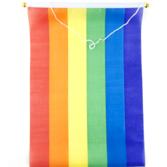 Flagga på pinne med snöre